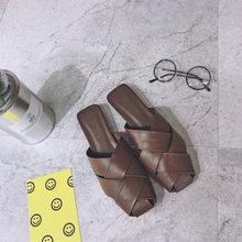 Женские шлепанцы на плоской подошве; Летние повседневные женские шлепанцы из искусственной кожи; модная женская обувь в западном стиле; Лид...(Китай)