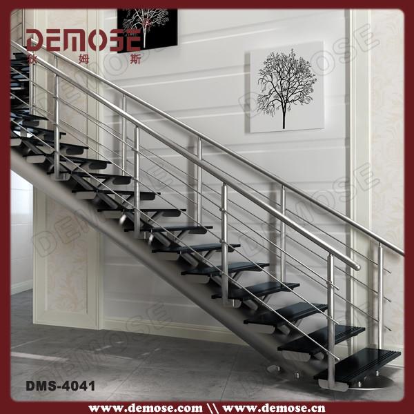 diseos de interiores escaleras de madera con barandas de vidrio