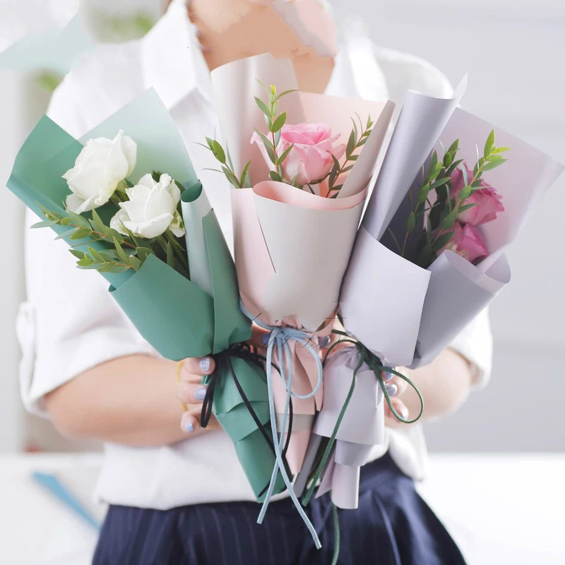 New Paper Packaging Flowers Gift Wrapping Paper Waterproof Two Color Matte Flowers Bouquet Packaging Materials 10pcs Lot