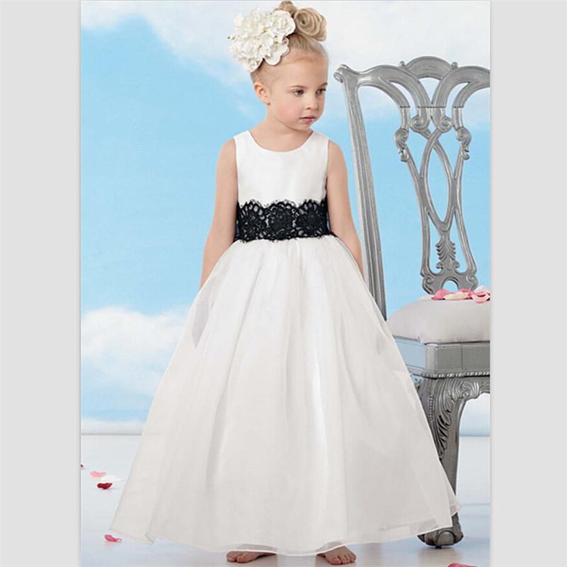 robe de gala pour petite fille. Black Bedroom Furniture Sets. Home Design Ideas