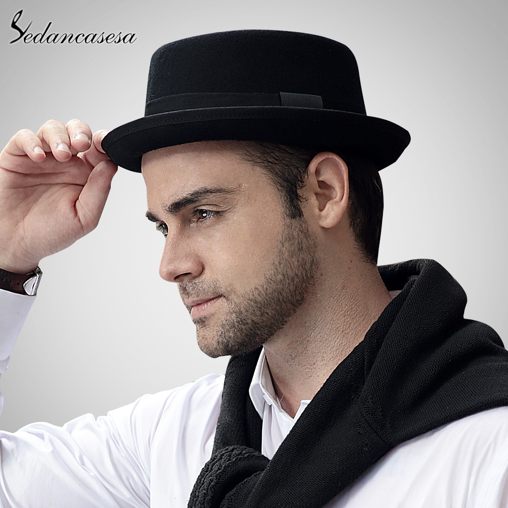 Fedoras appear in various forms throughout the world, such as the Bavarian alpine hat, the English herringbone hat, and the classic Manhattan hat. Components of men's fedoras These men's hats may differ somewhat in size and style, but they all share the same basic construction.