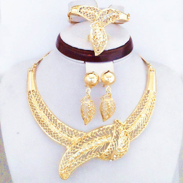 Good Quality Luxury Big Leaf Gold Plated Jewelry Sets African Fashion Women Party Big Gold Jewelry