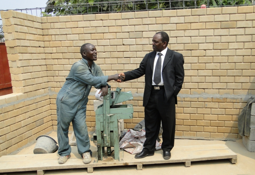 Makiga Brick Machine Mini Qmr2 40 Interlocking Soil Brick