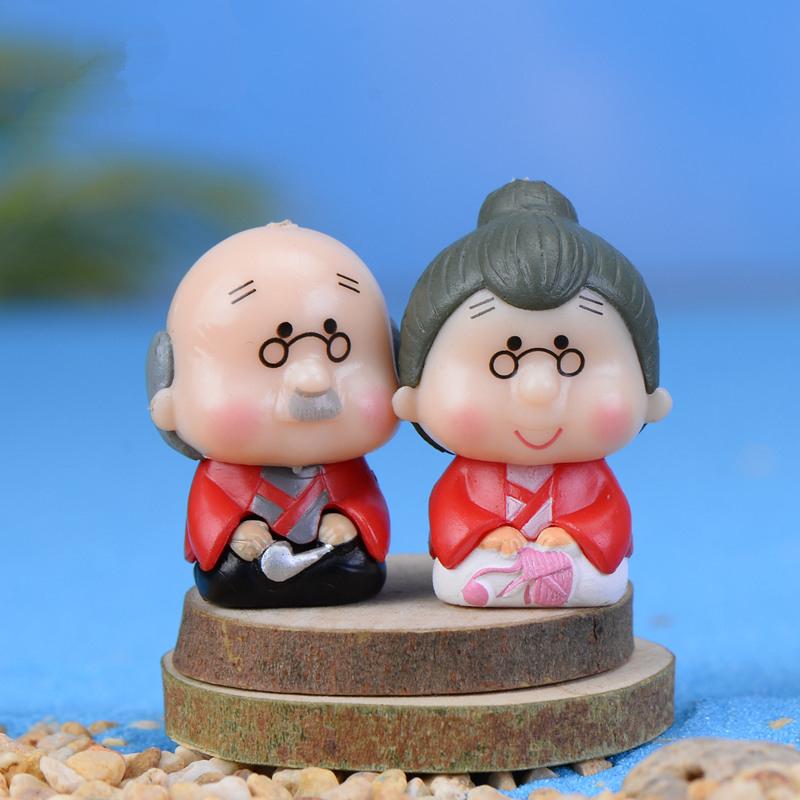 Gnome In Garden: 2pcs Cute Resin Crafts Decorations Miniature Elderly