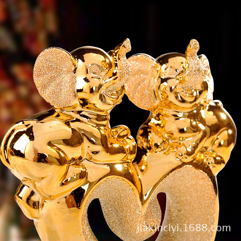 Modern minimalist home decoration products ceramic elephant lovers gilded ornaments wedding gift