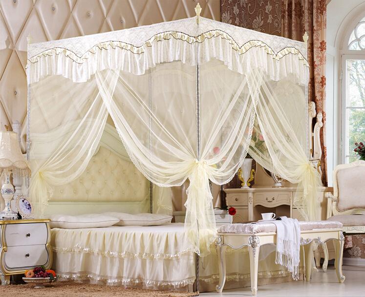 rideau lit baldaquin maison design. Black Bedroom Furniture Sets. Home Design Ideas