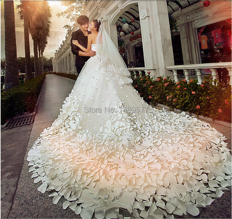 Wedding Dresses Flowers: 2015 New Arrival Wedding Dresses Super Long Train Gorgeous