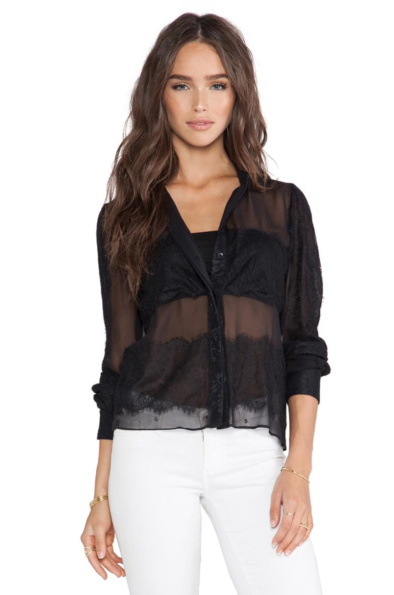 Find a great selection of women's tops and blouses at Dillards. Offered in the latest styles and materials from tunics, tanks, camisoles and poncho Dillards has you covered.