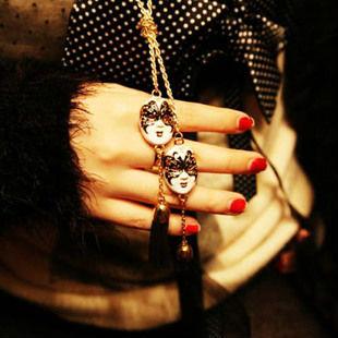Бесплатная доставка Чешские Партии маска кисточкой Женщины ожерелье цепь свитера Женщины Facebook Кулон Ожерелья X185