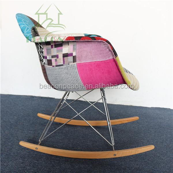 chaise a bascule imitation eames id e inspirante pour la conception de la maison. Black Bedroom Furniture Sets. Home Design Ideas