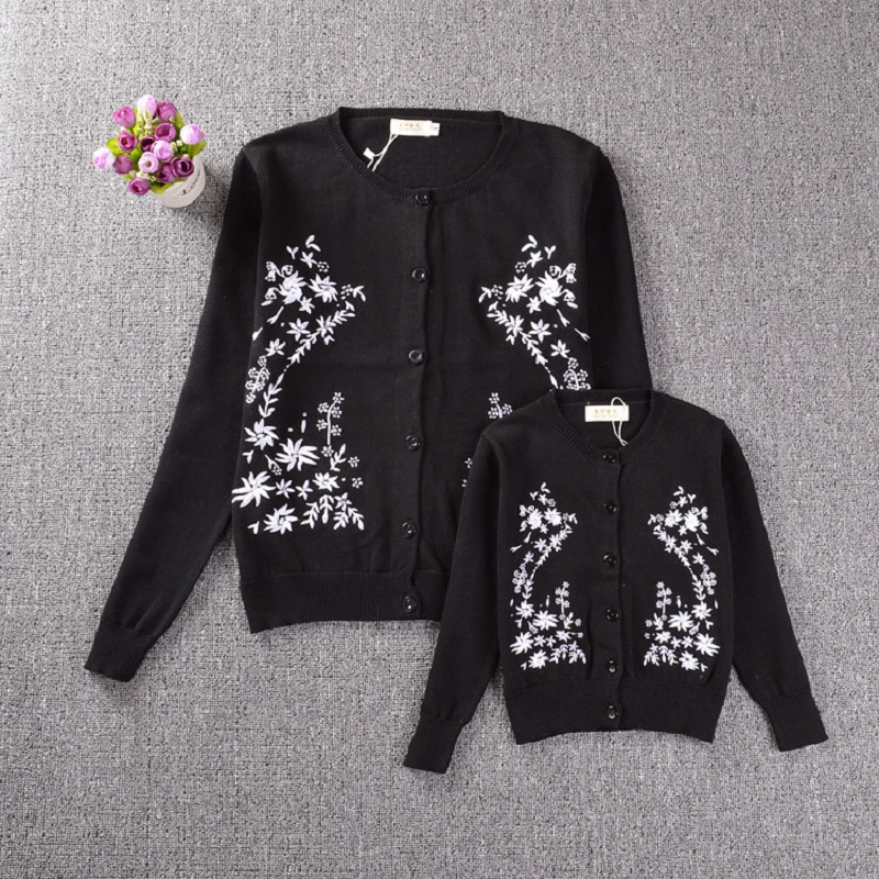Mother and Daughter Clothes Flower Pattern Sweaters Family Matching Outfits Sweaters for Mom and Kids Fashion