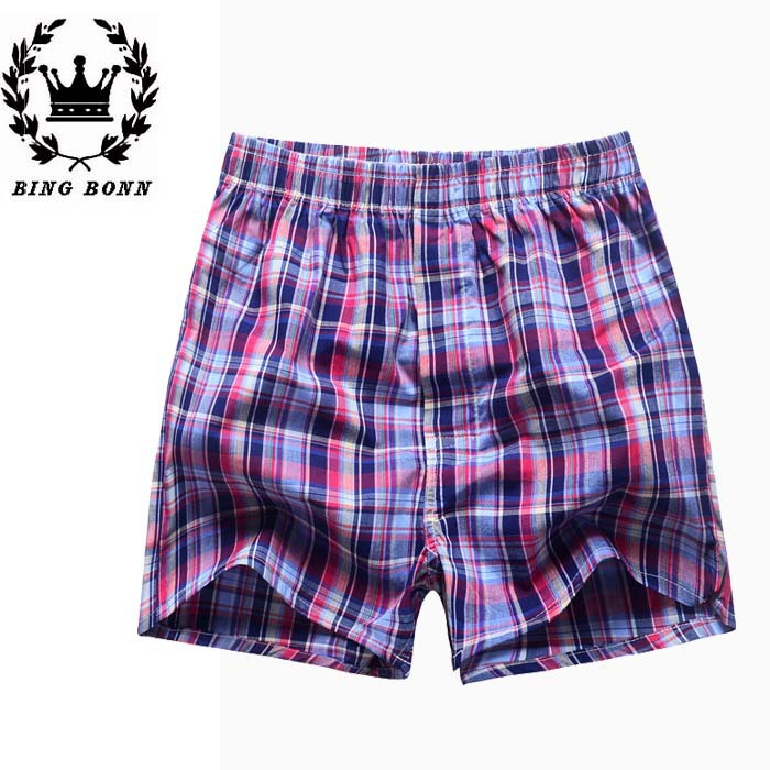 Find the latest and trendy styles of plaid shorts at ZAFUL. We are pleased you with the latest trends in high fashion plaid shorts.