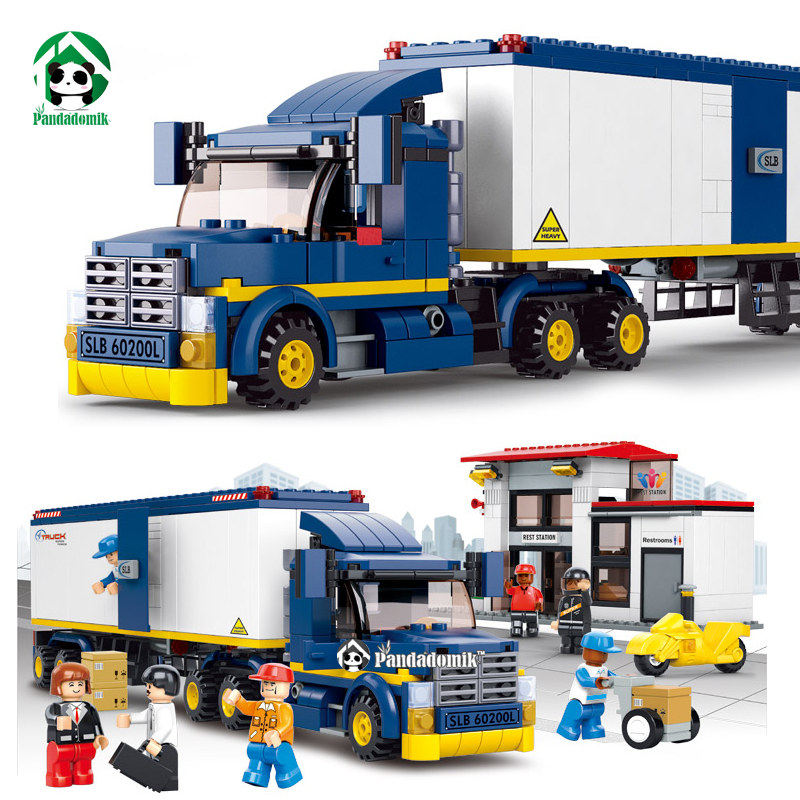 City Truck Station Building Blocks Set 537pcs with 7 Toy Figures Educational Bricks Toys Compatible with