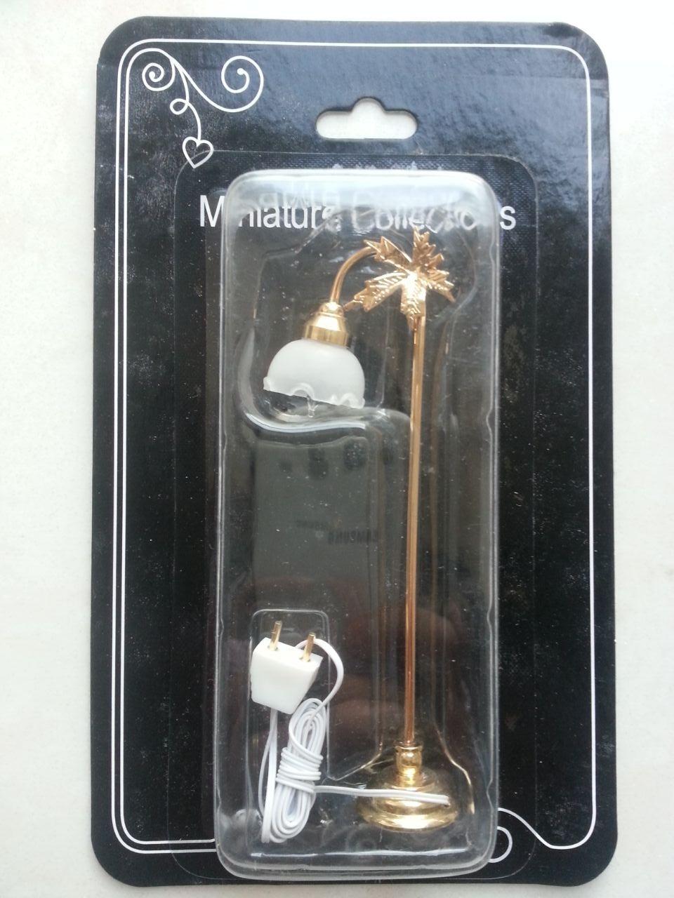 Miniaturas 1 12 Dollhouse Miniature Self control W battery Gold Leaf LED Floor Lamp Light