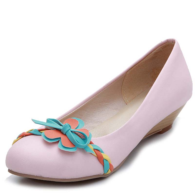 Shop our collection of women's clearance shoes on sale at Macy's. See your favorite designer shoes discounted & on sale. FREE SHIPPING available.