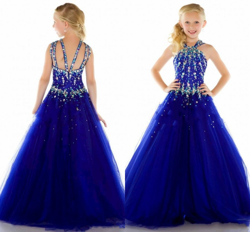 Simply Dresses offers many affordable prom dresses that are impressive and feature expensive-looking details to ensure an affluent-looking style for your next special occasion. There are fabulous, affordable ball gowns for prom, cheap homecoming party dresses, as well as inexpensive dresses for bridal parties and wedding guests.