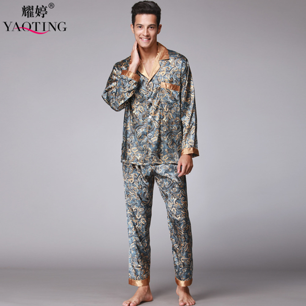 Shop online for Men's Pajamas: Lounge & Sleepwear at comfoisinsi.tk Find robes, pajamas & loungewear. Free Shipping. Free Returns. All the time. Skip navigation. Sale; Show Item Type. Pajama Bottoms Pajama Sets Pajama Tops Robes. Show Feature. Breathable Stretch Wrinkle Resistant.
