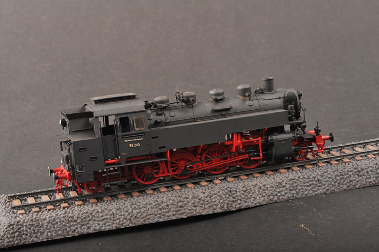 Michale: G scale locomotive kits