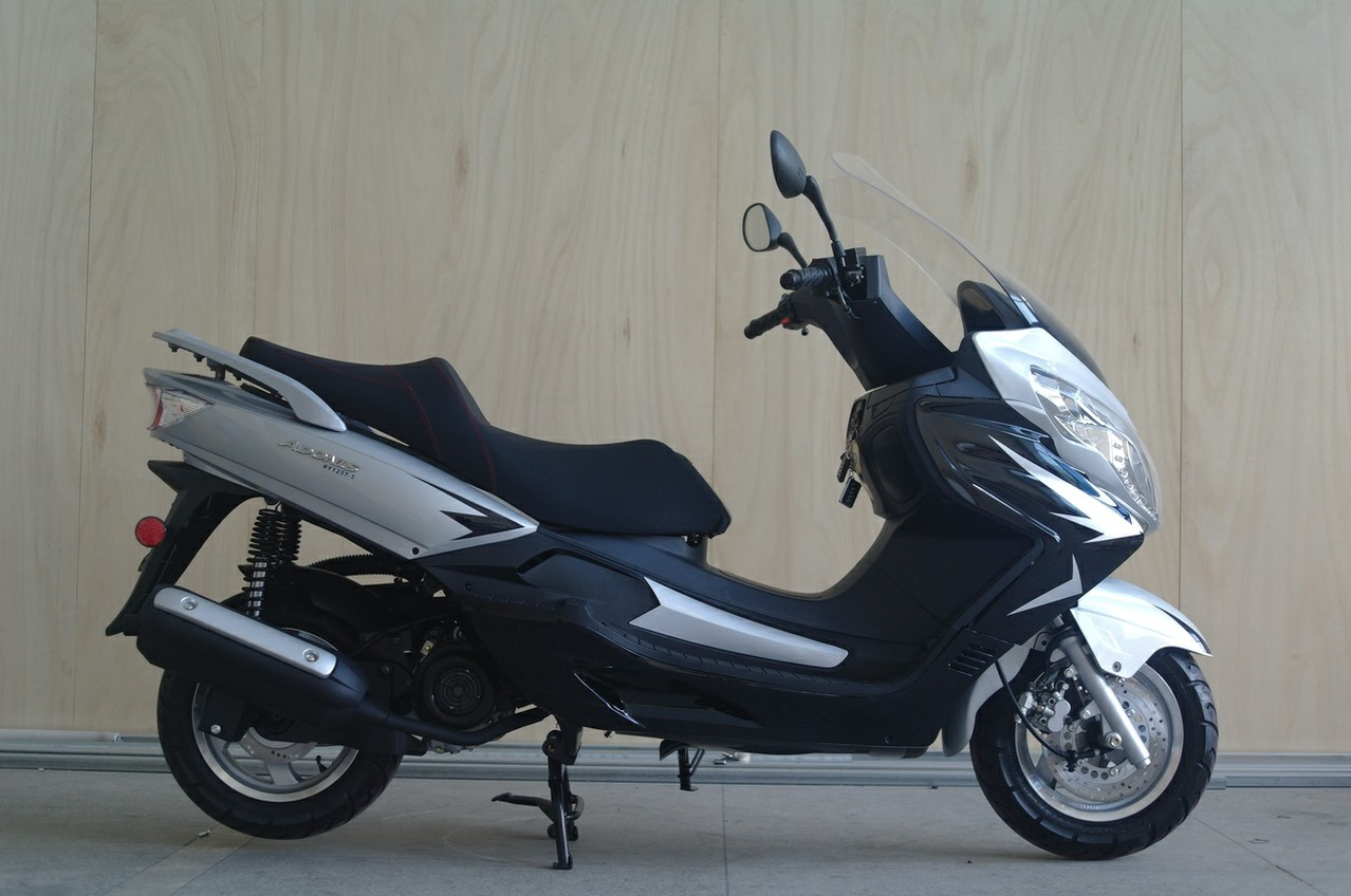 china riya 250cc gas scooter motorcycle motorbike gy6 250cc scooter engine 250cc trike. Black Bedroom Furniture Sets. Home Design Ideas