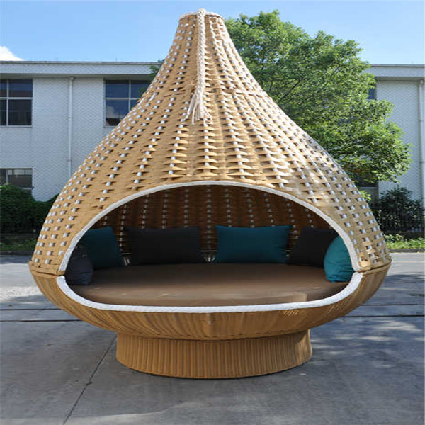 en forme de nid d 39 oiseau de jardin en rotin lit suspendu. Black Bedroom Furniture Sets. Home Design Ideas