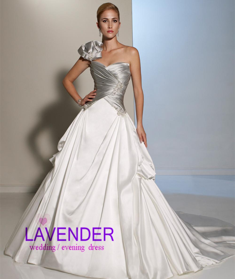 Pour Choisir Une Robe: Robe De Mariee Blanc Et Argent