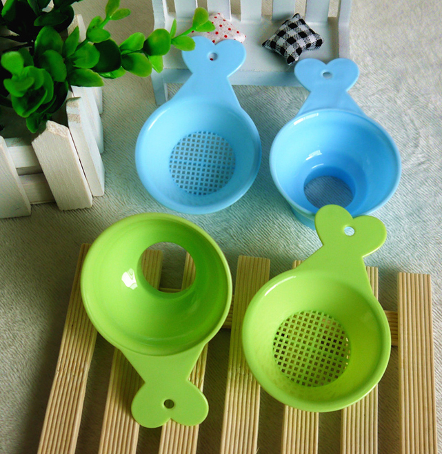 2pcs lot High quality PP material baby Milk powder Funnel Fruit juice Filter