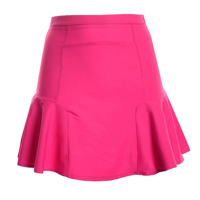 The styles change, as the mini skirt continuously evolves, embracing the demands for more fabrics as well as more designs that express the personality of the wearer. They come in a large variety of fabrics; leather, denim, corduroy, suede, chiffon, polyester, satin, gingham and spandex, to name a few.