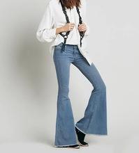 Uwback Jeans Para As Mulheres 2017 Jeans Queimado mulheres Incendiar Estilo  Retro Fundo Sino Magro Calça c1020ac028