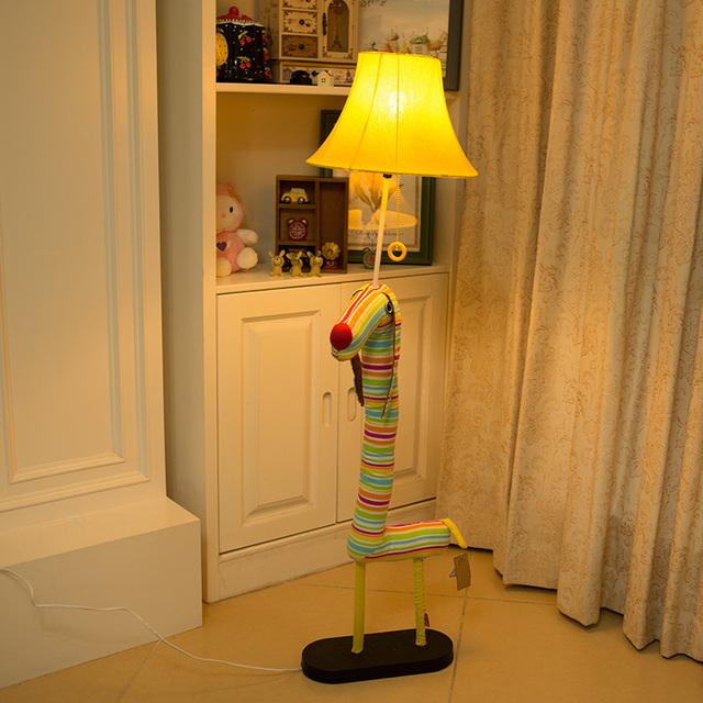 stehlampe wohnzimmer dimmbar innenarchitektur und m belideen. Black Bedroom Furniture Sets. Home Design Ideas