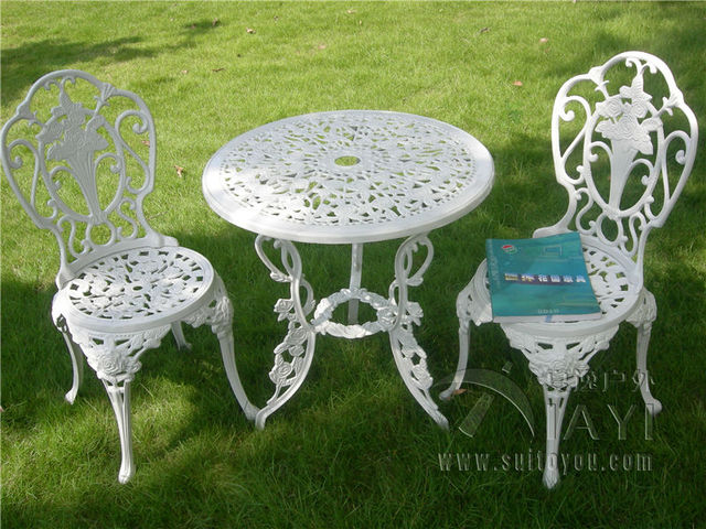 White Patio Table And Chair Set
