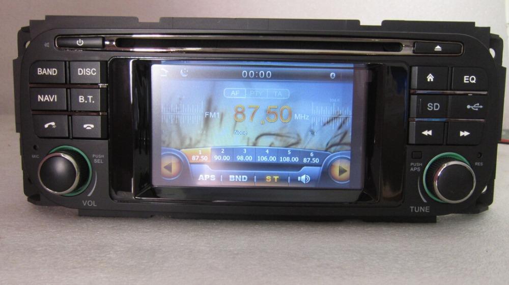 lecteur dvd de voiture pour chrysler grand voyager avec gps int gr tv bluetooth ipod radio. Black Bedroom Furniture Sets. Home Design Ideas