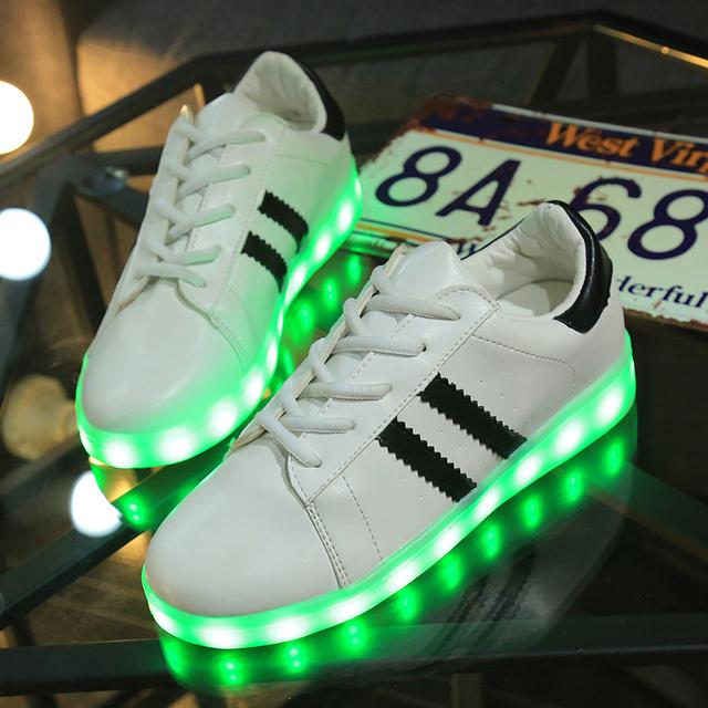 Chaussure Adidas Qui S'allume arrivee d air