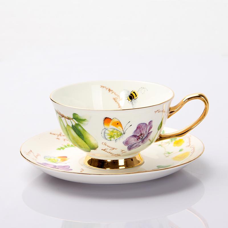 versandkostenfrei mode bone china kaffeetasse mit untertasse setzen qualit t englisch. Black Bedroom Furniture Sets. Home Design Ideas