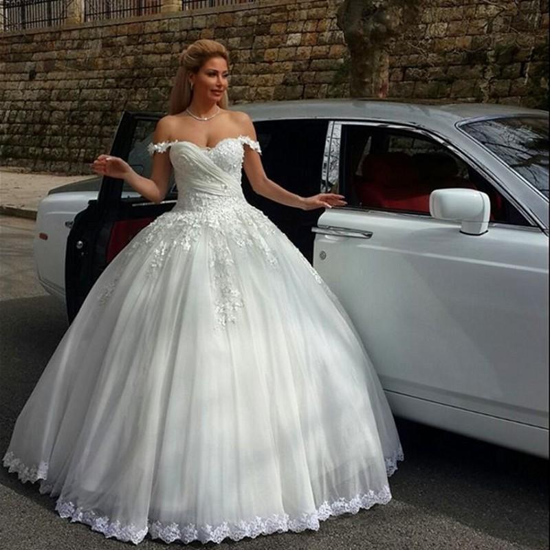 robe de mari e type princesse id es et d 39 inspiration sur le mariage. Black Bedroom Furniture Sets. Home Design Ideas