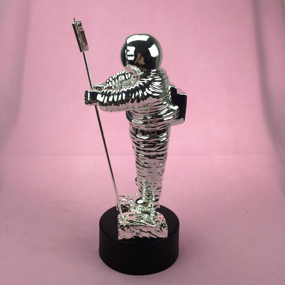 2013 VMA Awards, MTV Trophy Awards, MTV Moonman Trophy Awards, Metal VMA  Awards