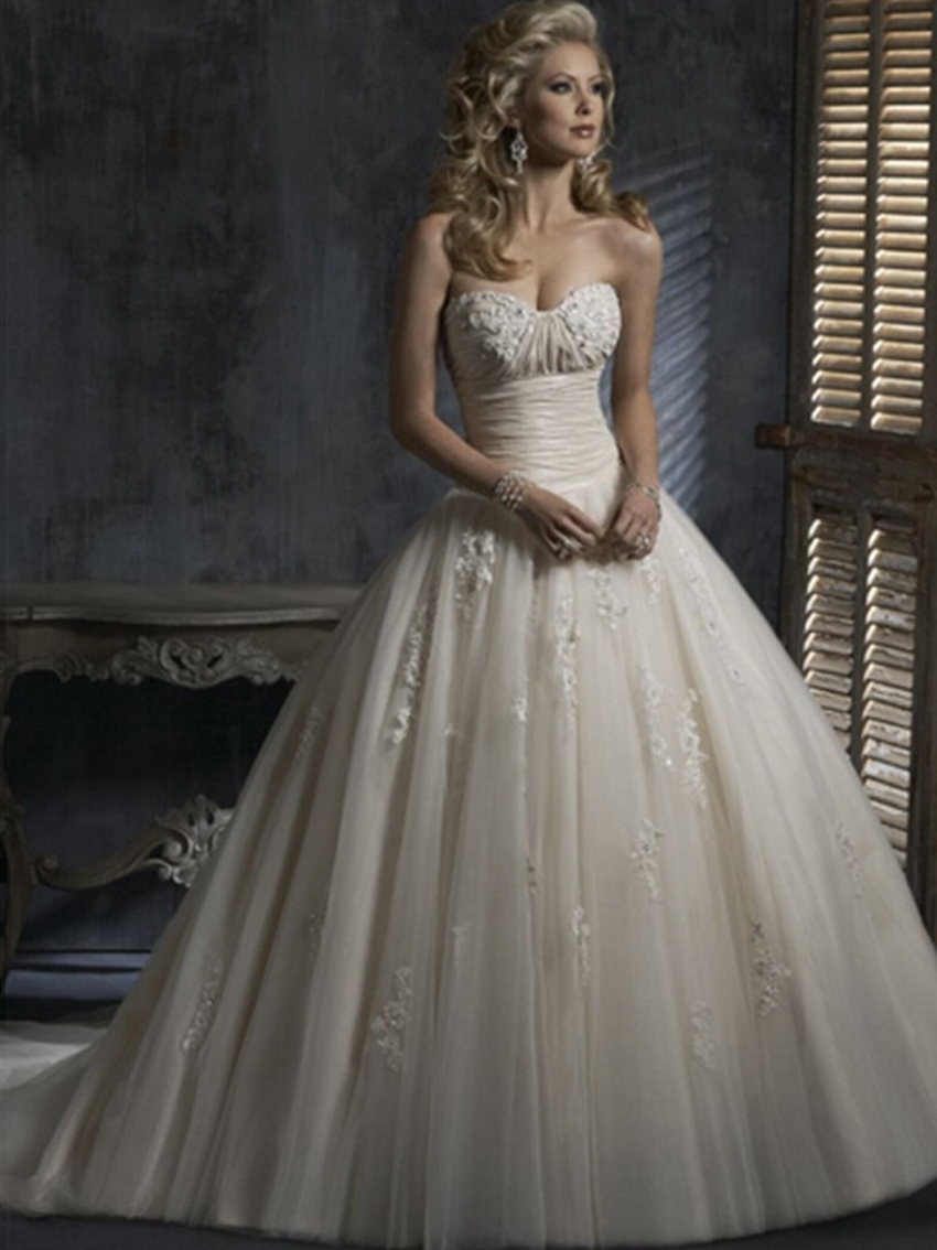 Cheap Ball Gown Wedding Dresses: Vintage Tulle Sexy Custom Made Cheap Lace Wedding Dresses Ball Gown Wedding Gowns Brides With
