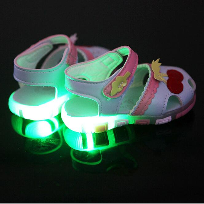 New Girls light Sandals baby shoes Children Sandals 2016 Summer Style Kids Sandals Girls Princess Shoes