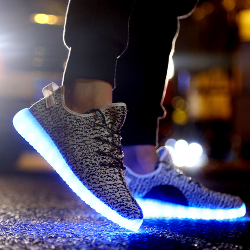 Men S Tennis Shoes That Light Up On The Soles