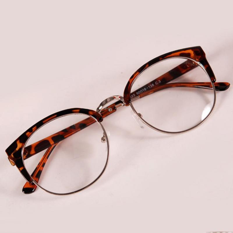 Compre Atacado 2016 Hipster Oculos Moda Óculos Mulheres Óculos De Sexy Cat  Eye Armação De Metal Simples Espetáculos De Vidro Oculos De Grau Sol De  Value333, ... 4828dc331d