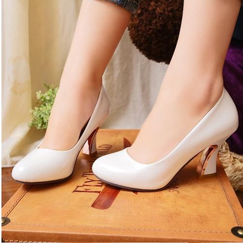 96ec4684ac red bottom shoes low heels