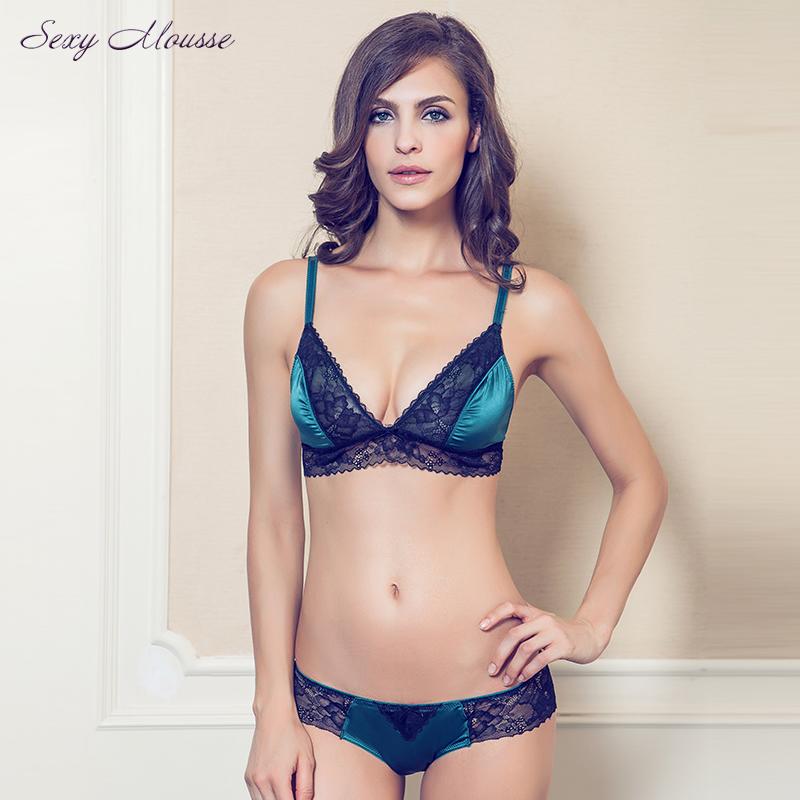 6d8f26778 Sexy Mousse RUSH Luxury brand ultra-thin women s lace sexy underwear  comfortable wireless boneless plunge