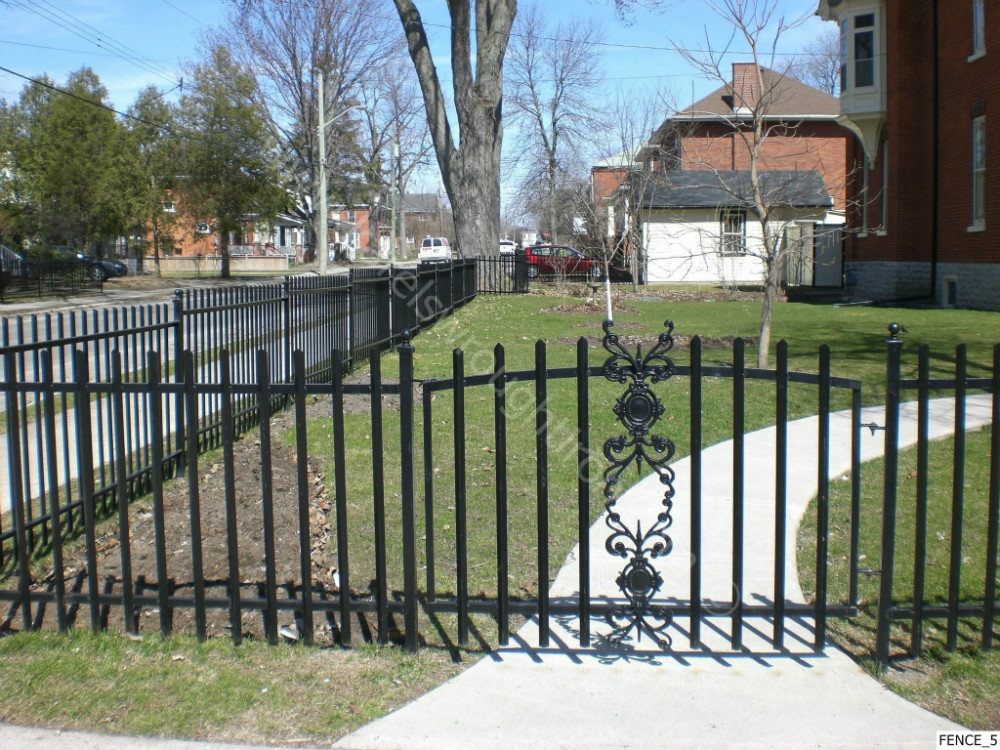 Ornamental Iron Fence / Cheap Wholesale Galvanzied Used