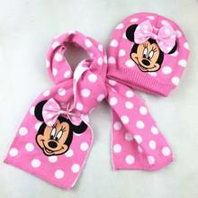 Krasný set čiapka a šále Minnie Mouse
