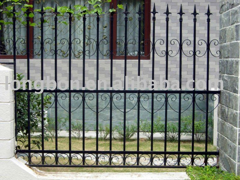 2014 Top-selling Hand Forged Antique Wrought Iron Fence Garden