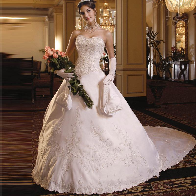 Cheap Wedding Dresses For Sale: Romantic Embroidery Vintage Wedding Dress Vernassa