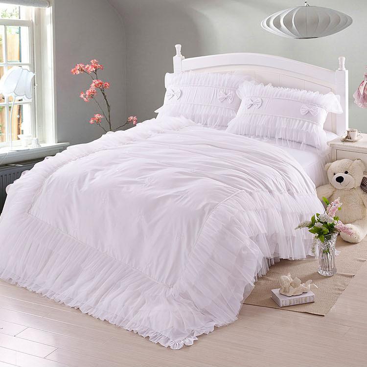 achetez en gros blanc dentelle couvre lit en ligne des grossistes blanc dentelle couvre lit. Black Bedroom Furniture Sets. Home Design Ideas