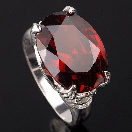 Min-Purchase-12-Oval-Red-Garnet-Silver-Ring-Ladies-Classic