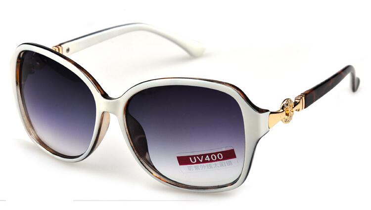 3b7d40a228cc Top 10 Designer Sunglasses Brands