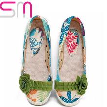 Big Size 34-43 Fashion Patch Color Charming Flower Flat Shoes 2015 Brand Bohemia Print Convas Shoes Spring Autumn Shoes Women