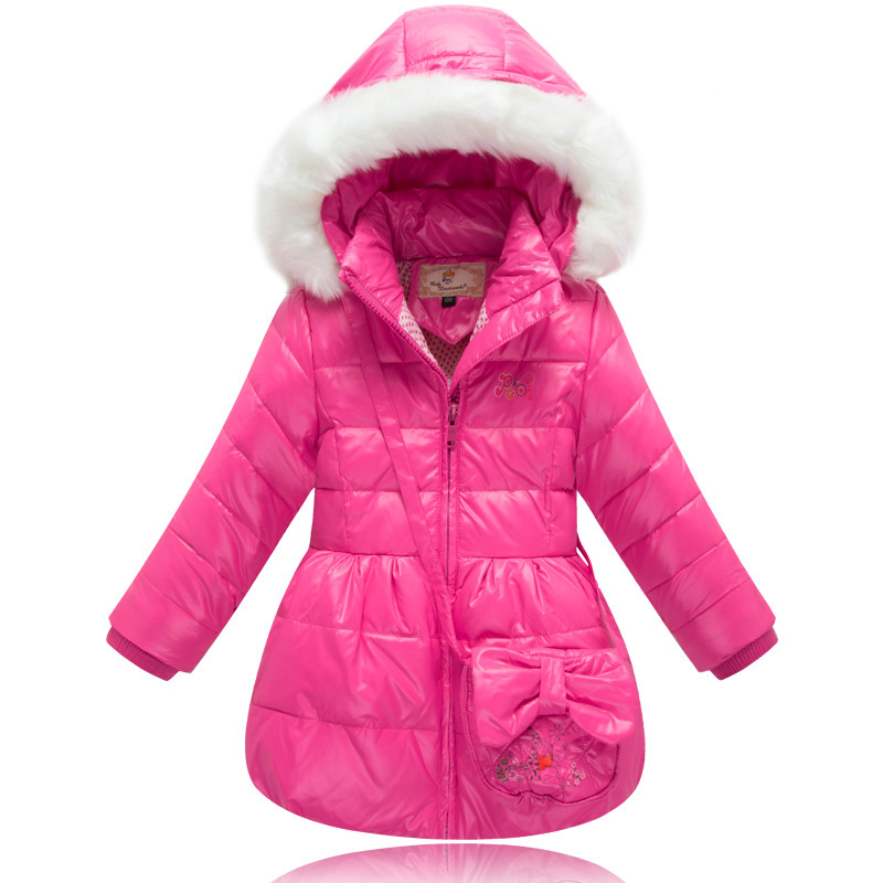 This list of winter jackets for kids has been put together to show you the best researched and reviewed winter jackets to keep your kids warm and comfortable while playing in the snow this winter. A winter jacket for your child to keep an eye on is the North Face Thermoball.